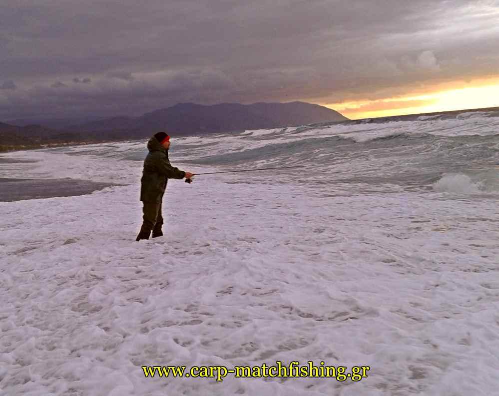 spinning-at-waves-carpmatchfishing
