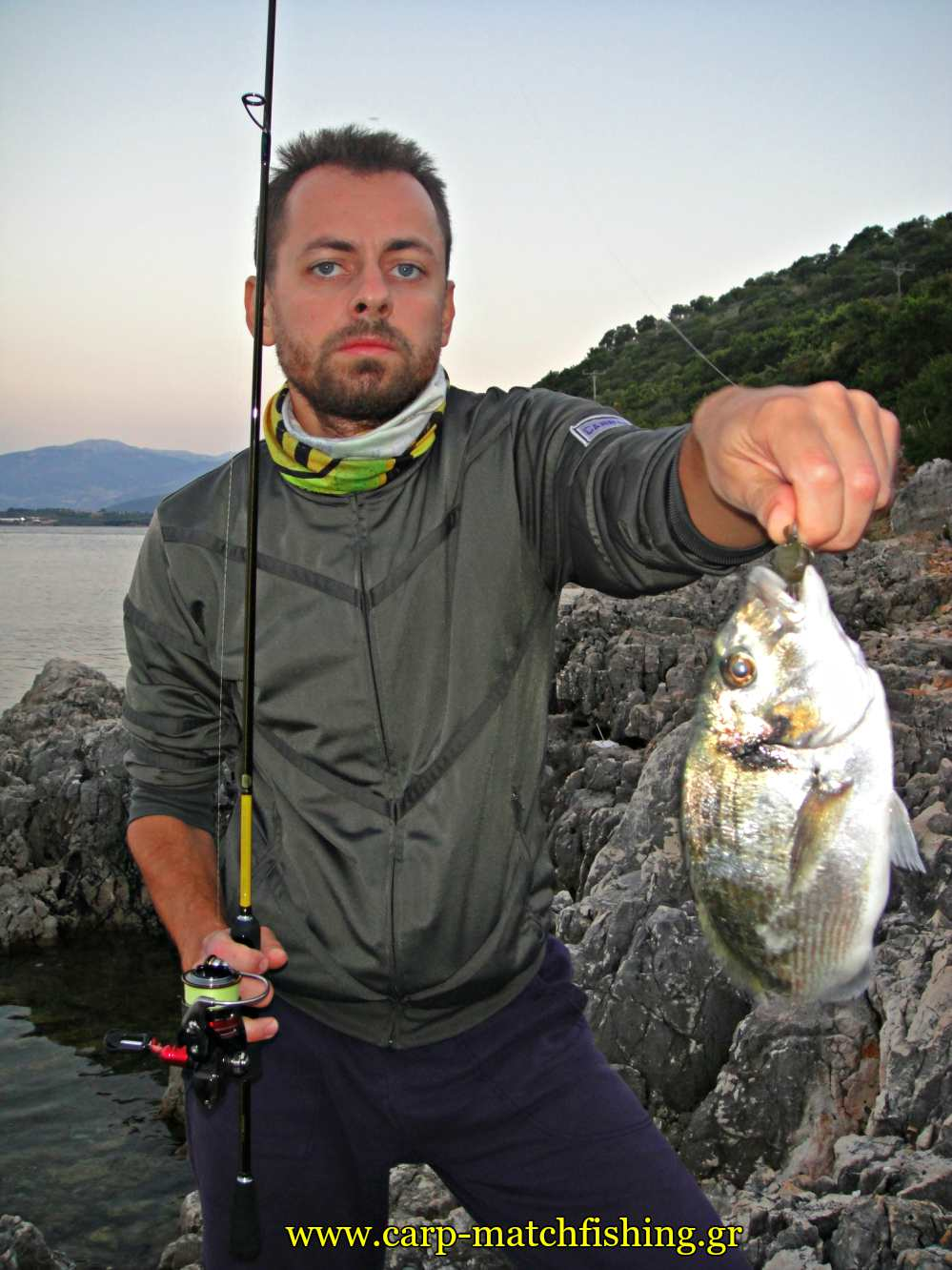 lrf-light-rock-fishing-var-tsipoura-crab-carpmatchfishing